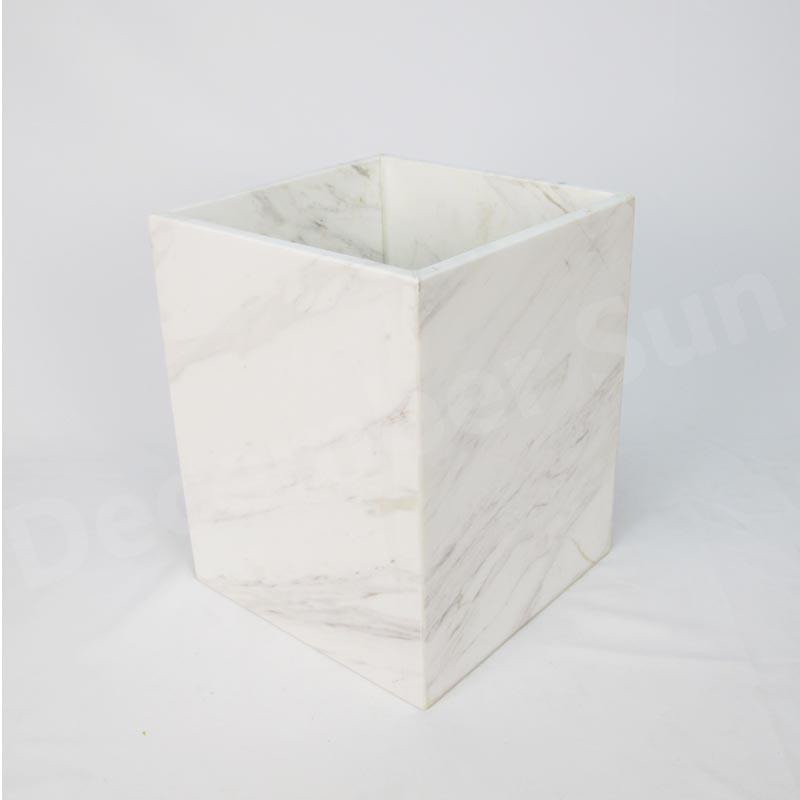 Elegáns és kecses fehér márvány fürdőszobai kiegészítők